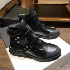 Designer Black Booties 2019 Platform Booties Fashion Designer Women Men Luxury Nail Shoes Hot Sale Black Boots Genuine Leather Boots Flat Bottom Wedge Booties Boots Sale
