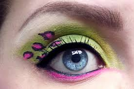 green and pink leopard eyeshadow