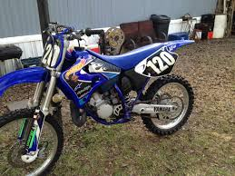 yamaha 125 dirt bike. blue 1999 yamaha yz 125 dirt bike that was stolen from the back of a white pick-up truck while parked in walmart parking lot this past tuesday,