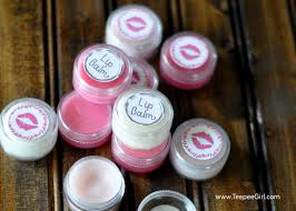 homemade lip gloss is so easy fun to make come grab the recipe
