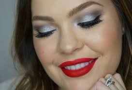 super easy to do and all you have to do is throw on a bold lip and this look is perfect for a holiday party date night and more