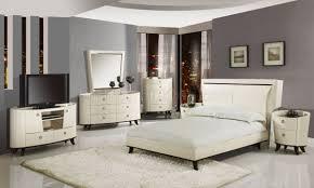 Angelica Bedroom In Beige  Black WPlatform Bed By Global - Beige and black bedroom