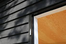 i painted the window sills black with ottosson s linseed oil paint a great experience i used a small flat escoda paint brush dipped it about two or