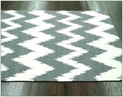 gray and white chevron rug gray and white chevron area rug gray chevron rug gray chevron