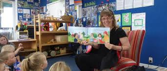 Childrens Te Reo Singalong Puppet Show - Sharon Holt - Lumsden - Stuff  Events