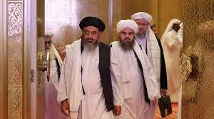 """بعد سيطرة طالبان.. هل تواجه أفغانستان """"سقوطًا حرًا"""" في الفوضى؟ - CNN Arabic"""