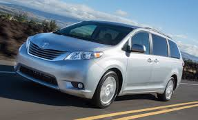 2018 Toyota Sienna Photos and Info | News | Car and Driver
