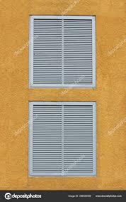 Zwei Fenster Einem Großen Industriellen Einkaufszentrum Mit Externen