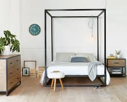 Oppet Bed