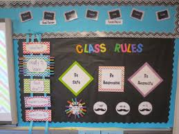 mrs crouse s teaching adventures getherwearebetter bulletin boards on the top part of the bulletin board you will see the students s and jobs that is where they could what their job was for the week