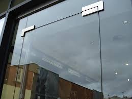 bar entrances glass wall partitioning