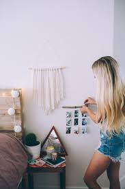 urban outfitters room decor summer diy