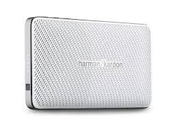 harman kardon esquire mini portable speaker. dengan desain unibody yang memiliki profil ramping, harman kardon esquire mini dimensi 140mm × 24mm 75.4mm (w x d h). portable speaker r