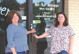 Local News: Sister team bids farewell to retail after 43 years (8 ...