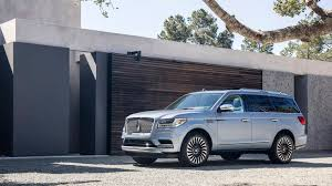 2018 lincoln navigator concept. unique 2018 2018 lincoln navigator luxury suv debuts at the new york auto show photo 2 and lincoln navigator concept