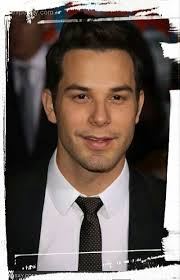 Pin by Meagan Norris on Skyler astin | Pitch perfect, Skylar astin,  Attractive people