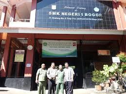 Hari Pertama UN di Kota Bogor Berjalan Lancar Bhabinkamtibmas.