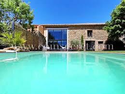 location d un mas de vacances avec piscine à sainte cécile les vignes
