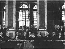 Версальская и Вашингтонская мирные конференции История Реферат  Подписание Версальского мирного договора 1919 г