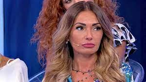 Anticipazioni Uomini e Donne: Ida Platano lascia lo studio. Delusione per  Gemma - LaNostraTv