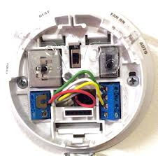 honeywell thermostat wiring color code tom's tek stop Thermostat Wiring Color Code picture of the commonly used green, white, yellow, and red thermostat wires, thermostat wiring color codes honeywell