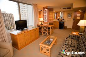 2 bedroom embassy suites waikiki. one bedroom partial ocean view suite embassy suites hotel waikiki beach walk oyster com 2 e