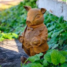 garden ornament pig from willows