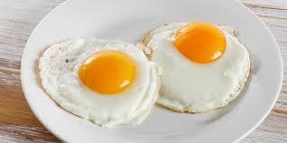 Cómo hacer un huevo frito al microondas que no engorde ni un gramo