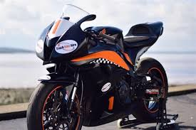 yamaha r6 track day bike hire for uk race circuits from trackdays