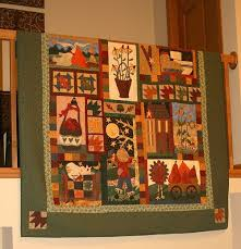 Gudrun´s World: Fall-O-Ween Day 10 & This quilt is a gorgeous Block of the month called Autumn Joy. I offered it  in the quilt shop back in Iceland, which means this was made about 9-10  years ... Adamdwight.com