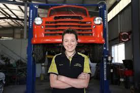 Apprentice mechanic Esther Bullock - ABC News (Australian ...