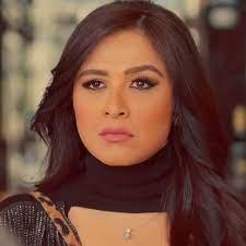 هل تواجه ياسمين عبدالعزيز حملة تشويه؟