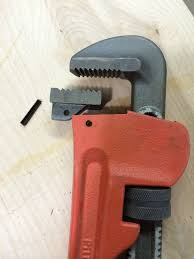 picture of modify pipe wrenches to add brackets