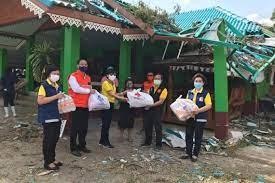 เทศบาลตำบลโคกตูมและกาชาดจังหวัดลพบุรีลงพื้นที่ให้ความช่วยเหลือผู้ประสบวาตภัย  สยามรัฐ