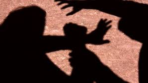 Resultado de imagem para moradora de rua mulher estrupada por homem