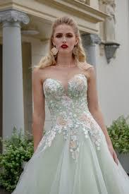 gekleurde trouwjurken bruidsmode de