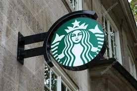 starbucks coffee logo 2015. Unique Starbucks Hamburg Allemagne  14 Aot 2015  Caisson Lumineux Du Logo De Starbucks  Caf Est La Plus Grande Entreprise Caf Dans Le Monde U2014 Image  On Coffee Logo