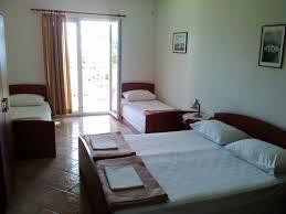 2. ap. four beds.jpg ...