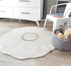 a simple crochet rug pattern perfect for beginners