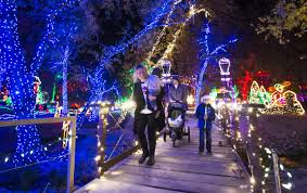 Christmas Light Show In Bakersfield Ca Holidaylights Kicks Off Its 16th Year Entertainment