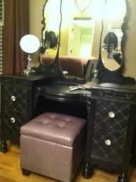 Large Bedroom Vanity Diy Vintage Makeup Vanity Like The Look Of This Vanity Especially