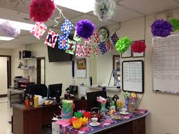 Alice In Wonderland Decorations Alice In Wonderland Unbirthday Theme Decorations For Coworkers