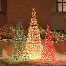How To Make Outdoor Christmas Tree Out Of Lights Easy Diy Outdoor Christmas Lighting Hacks Outdoor