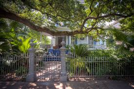 garden district tours