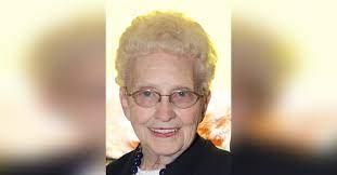 Jeannine Joyce Hampton Obituary - Visitation & Funeral Information
