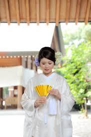 白無垢の悩みを完全解決和装結婚式での髪飾りの選び方