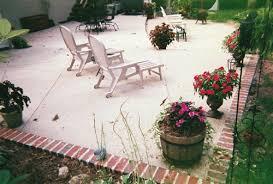 plain concrete patio. PatioConcreteBrick3.gif (126382 Bytes) Plain Concrete Patio R