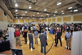 computing career fair what to wear the safest bet is to wear business formal most students will be able to survive business casual