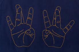 hands maison labiche