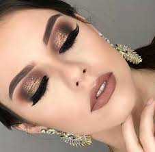 40 glamorous party makeup looks for